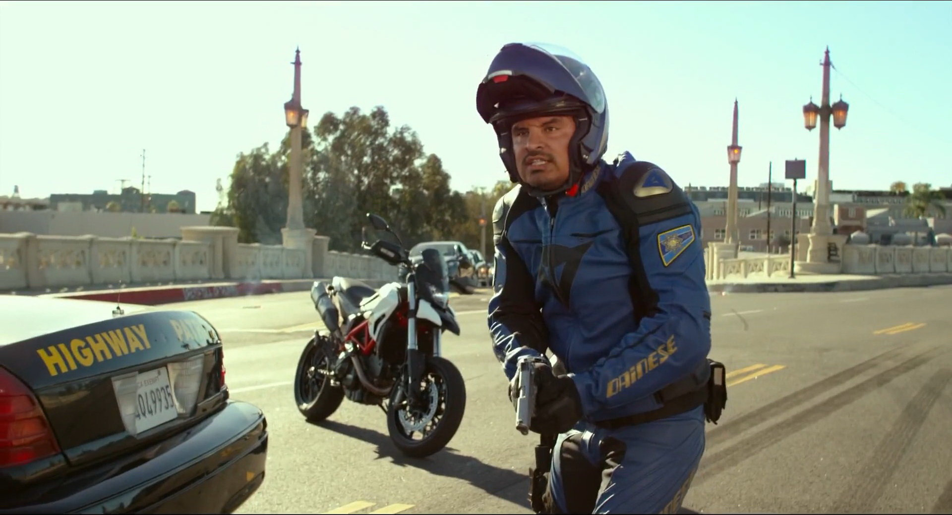 """CHIPS: Patrulla Motorizada Recargada"": Comedia sobre dos ruedas"